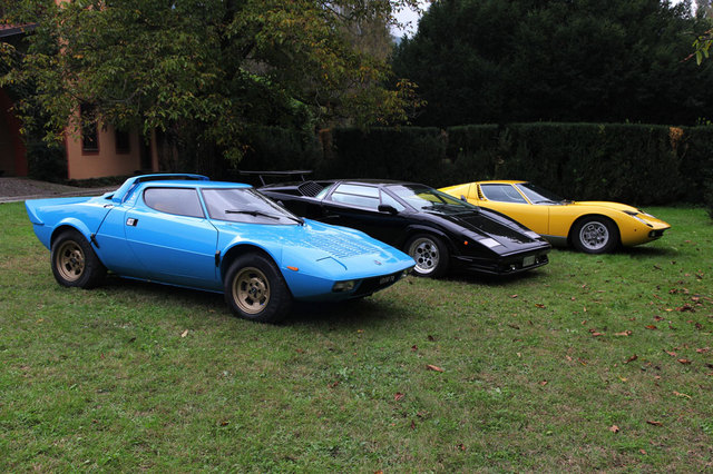 22_Marcello_Gandini_with_his_models.jpg