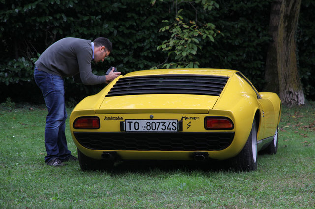 28_Marcello_Gandini_with_his_models.jpg