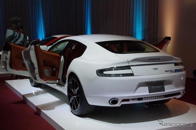 Aston_Martin_Rapide_white_02.jpg