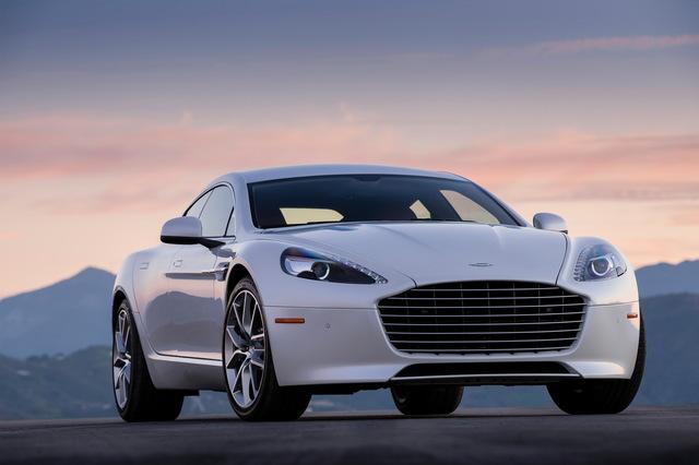 Aston_Martin_Rapide_white_04.jpg