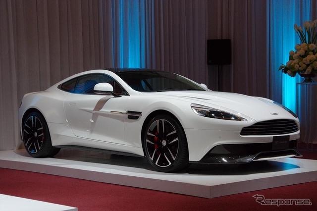 Aston_Martin_Vanquish_white_01.jpg