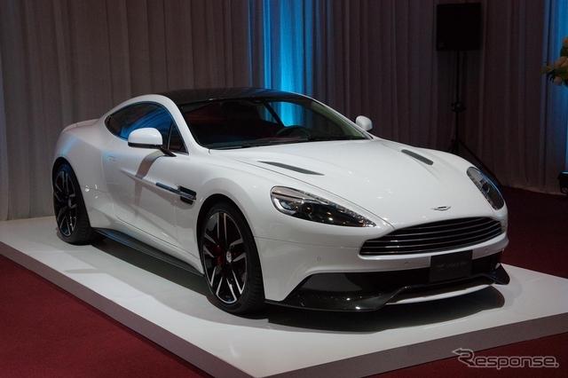 Aston_Martin_Vanquish_white_02.jpg