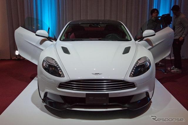 Aston_Martin_Vanquish_white_03.jpg