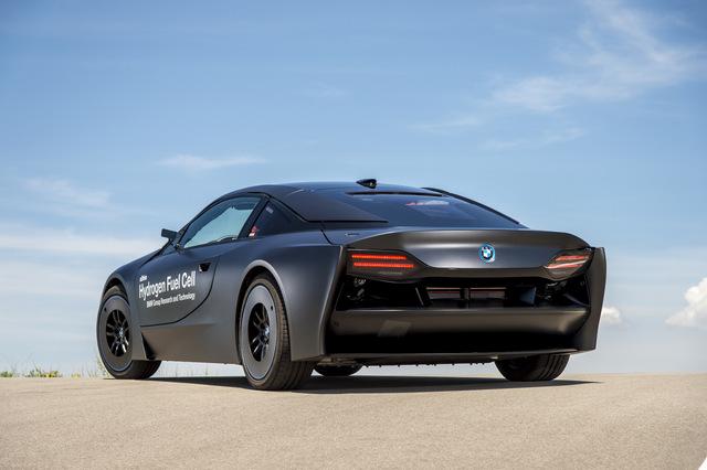 BMW_i8_Hydrogen_Fuel_Cell_prototype_25.jpg