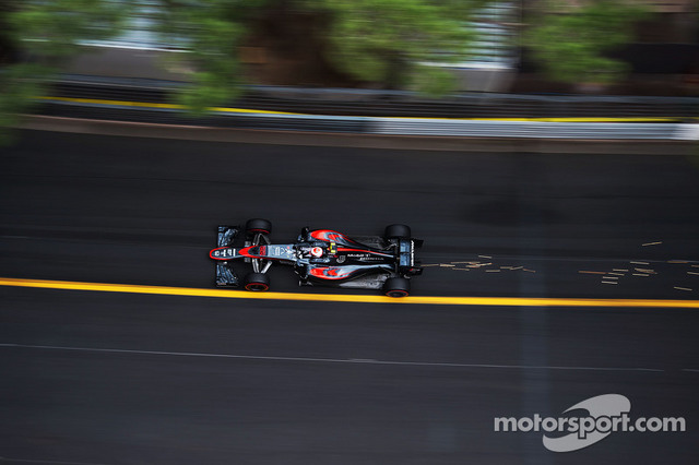 F1_2015_Monaco_GP_mclaren_first_point_08.jpg