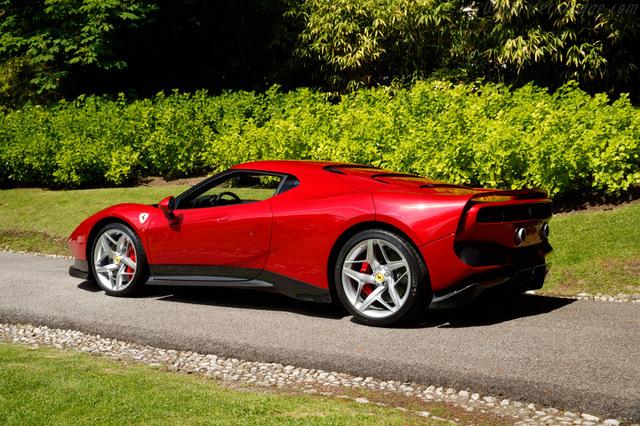 Ferrari_SP38_2018_14.jpg