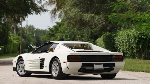 Ferrari_Testarossa_used_in_Miami_Vice_03.jpg