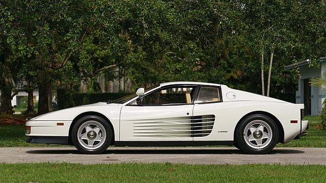 Ferrari_Testarossa_used_in_Miami_Vice_06.jpg