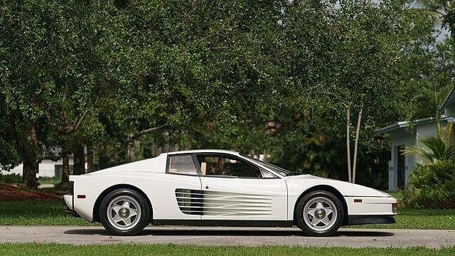 Ferrari_Testarossa_used_in_Miami_Vice_07.jpg