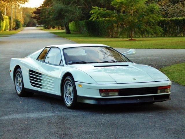 Ferrari_Testarossa_used_in_Miami_Vice_08.jpg