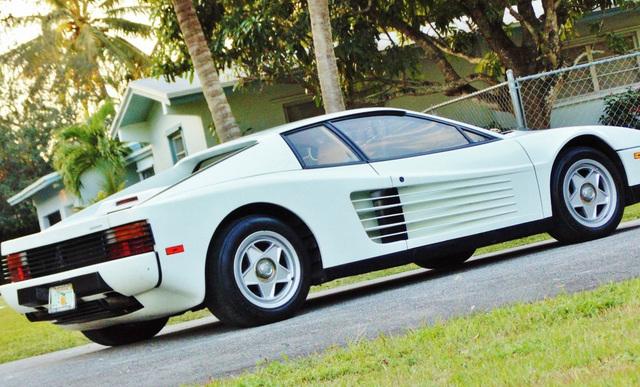 Ferrari_Testarossa_used_in_Miami_Vice_10.jpg