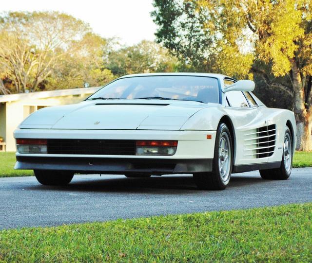 Ferrari_Testarossa_used_in_Miami_Vice_11.jpg