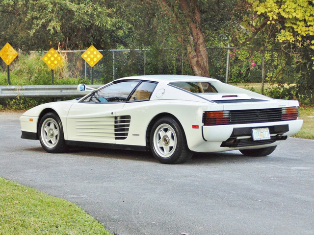 Ferrari_Testarossa_used_in_Miami_Vice_12.jpg