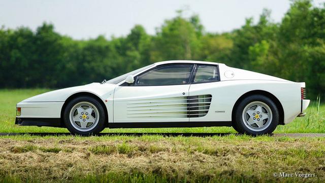 Ferrari_Testarossa_white(bianco)_1988.jpg