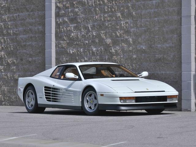 Ferrari_Testarossa_white_01.jpg