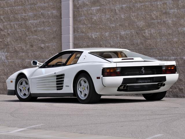Ferrari_Testarossa_white_02.jpg