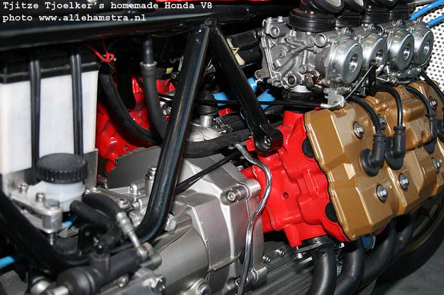 Honda_V8_Cafe_Racer_by_Tjitze_Tjoelkers_04.jpg