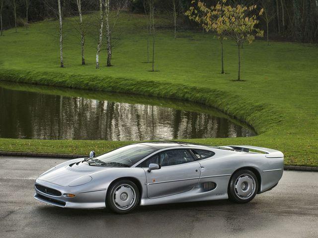 Jaguar_XJ220_for_sale_02.jpg