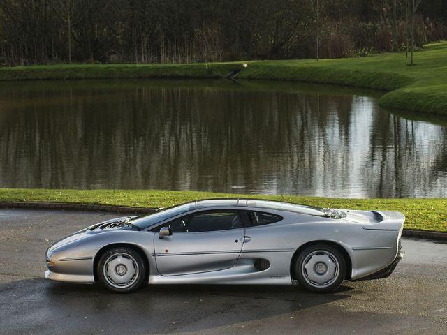Jaguar_XJ220_for_sale_03.jpg