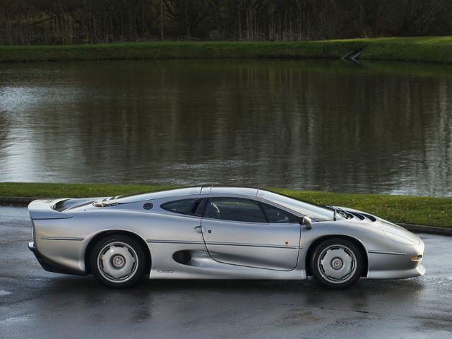 Jaguar_XJ220_for_sale_07.jpg