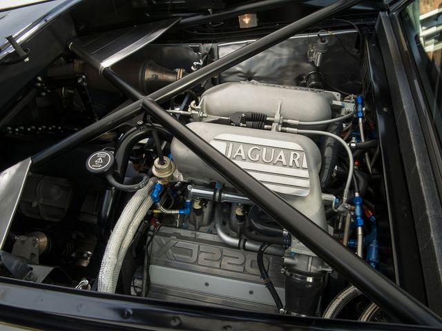 Jaguar_XJ220_for_sale_16.jpg