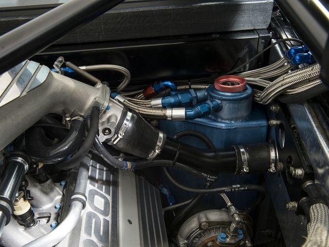 Jaguar_XJ220_for_sale_17.jpg