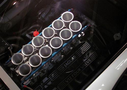 Jaguar_XJ220_prototype_23.jpg