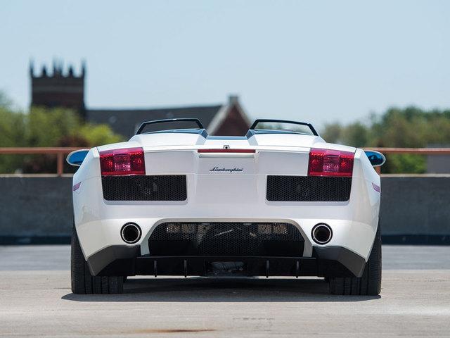Lamborghini_Concept_S_2005_10.jpg