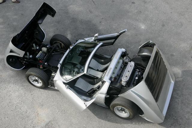 Lamborghini_Miura_15.jpg
