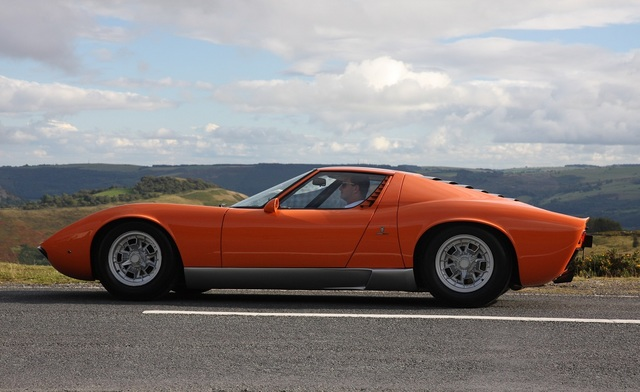 Lamborghini_Miura_1968_The_Italian_Job_02.jpg