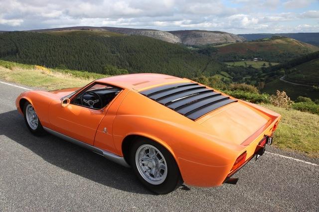 Lamborghini_Miura_1968_The_Italian_Job_06.jpg