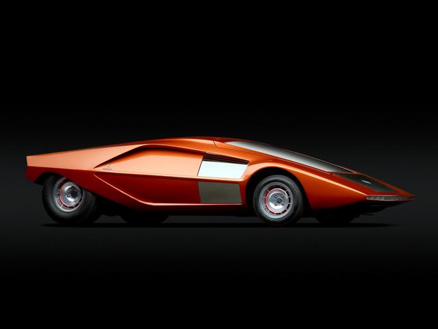 Lancia_Stratos_Zero_by_Bertone_14.jpg