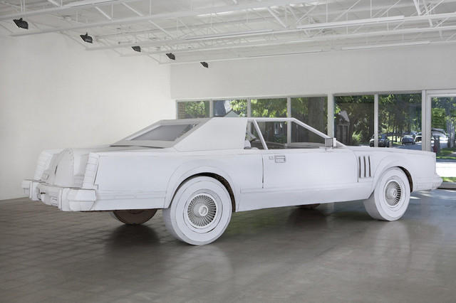 Lincoln_Continental_Mark_V_made_of_paper_03.jpg