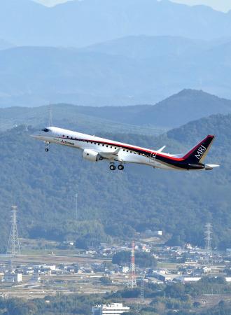 MRJ_first_test_flight_09.jpg