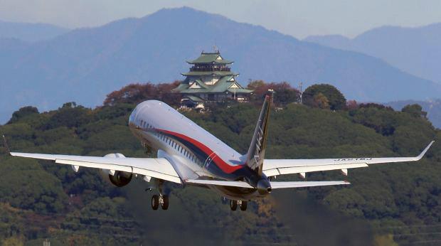 MRJ_first_test_flight_11.jpg