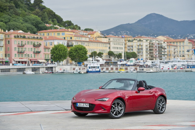 Mazda_new_Roadster_ND_09.jpg
