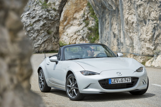 Mazda_new_Roadster_ND_11.jpg