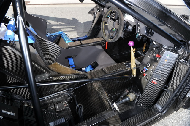 McLaren_F1_GTR_1977_Longtail_For_Sale_13.jpg