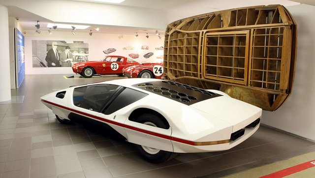 Pininfarina_Ferrari_512S_Modulo_22.jpg