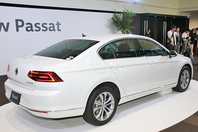VW_Passat_2015_04.jpg