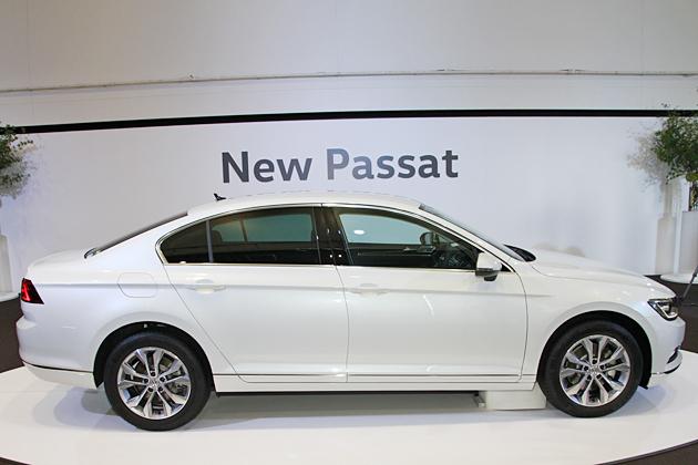 VW_Passat_2015_09.jpg