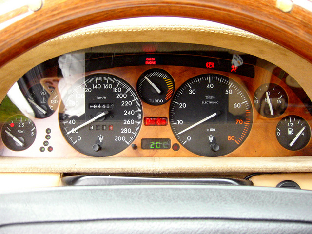 02_Quattroporte_parts_meter_01+check_engine.jpg