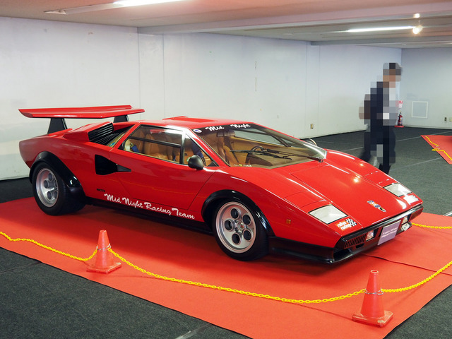 03_Lamborghini_Countach_LP500S_Wolf_Special_16.JPG