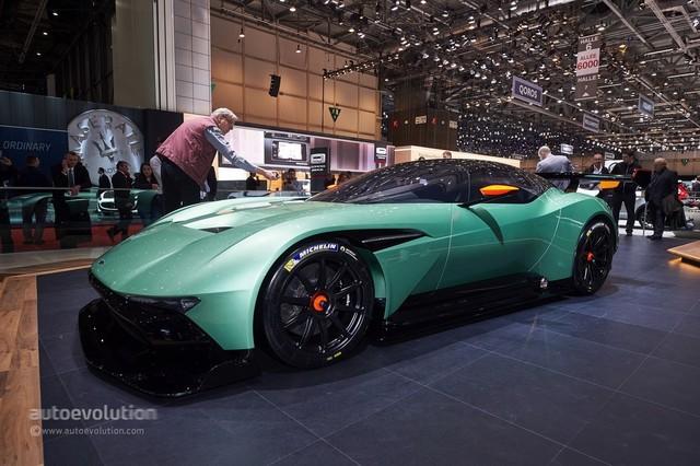 Aston_Martin_Vulcan_2015_06.jpg