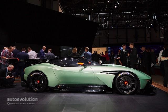 Aston_Martin_Vulcan_2015_15.jpg