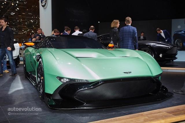 Aston_Martin_Vulcan_2015_17.jpg