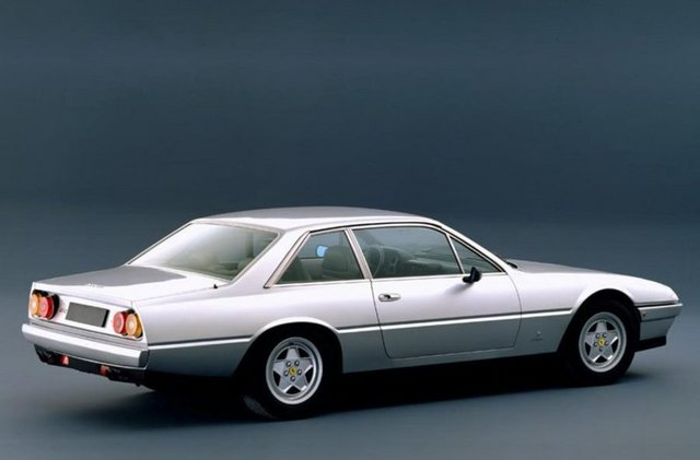 Ferrari_412_03.jpg