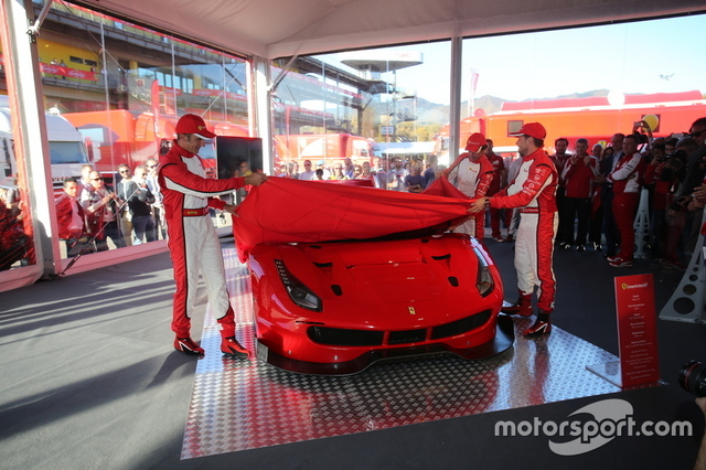 Ferrari_488GT3_&_488GTE_02.jpg