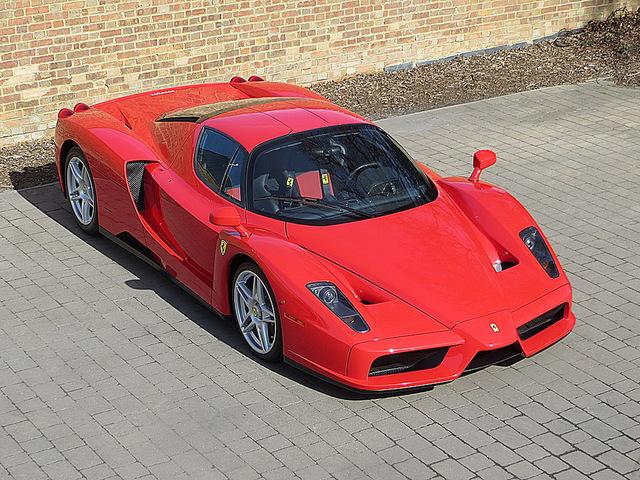 Ferrari_Enzo_for_sale_Vertually_brand_new_01.jpg