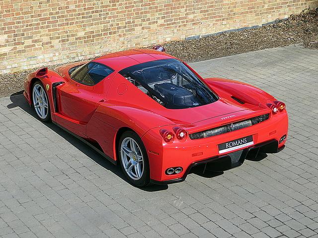 Ferrari_Enzo_for_sale_Vertually_brand_new_02.jpg